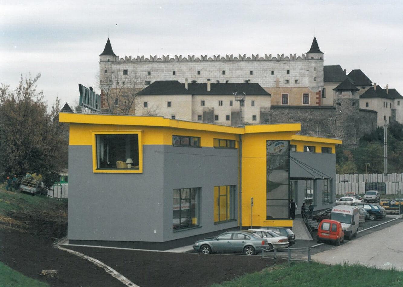 Otvorenie novo postavenej predajne vo Zvolene 2002