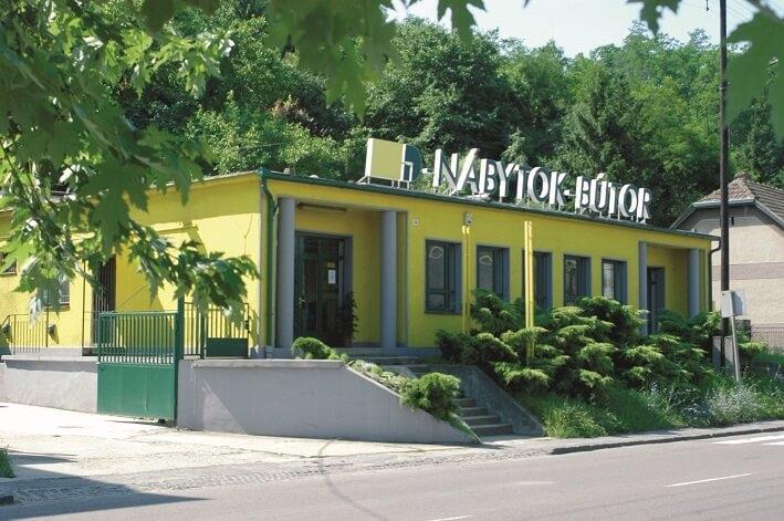 Otvorenie predajne v Šalgotarjáne 2004